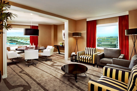 Sheraton Amsterdam Airport Hotel & Conference Center - Tower Suite Meeting