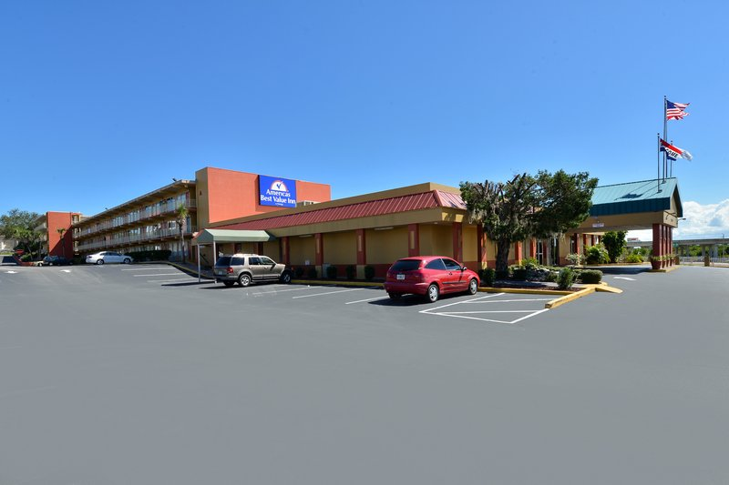 Econo Lodge Space Center - Cocoa, FL