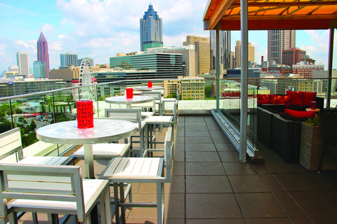 Glenn Hotel, Autograph Collection - SkyLounge Rooftop Bar