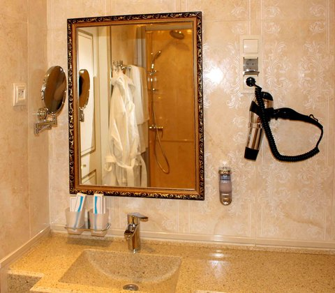 Degas Hotel - Bathroom