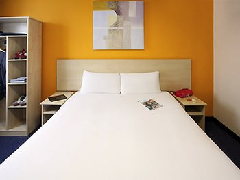 Ibis Styles London Leyton - Room