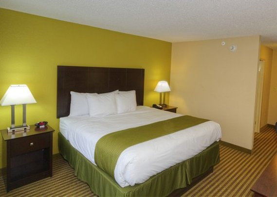 Clarion Hotel - Beachwood, OH