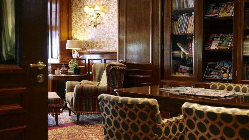 Estherea Hotel Sala klubowa
