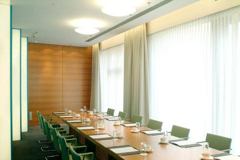Radisson Blu Hotel, Berlin - Meetings   Events Ground Floor Boardroom Topas