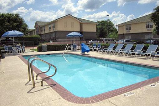 Extended Stay Deluxe Austin - Arboretum - North Zwembadaanzicht