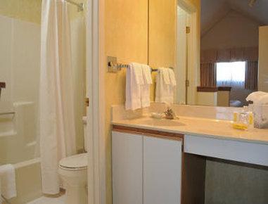 Residence Inn Green Bay - Bathroom