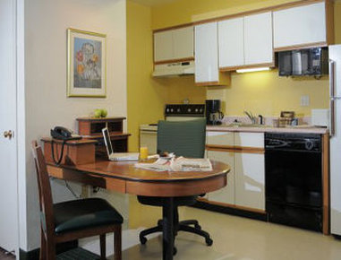 Residence Inn Green Bay - In-Room Kitchen