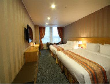 Ramada Seoul Jongno - Two King Bed Guest Room