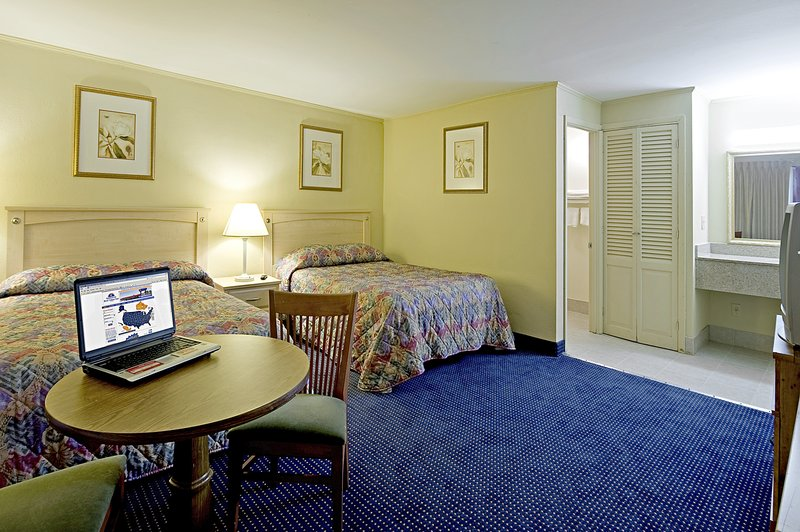 Americas Best Value Inn Stamford - Stamford, CT