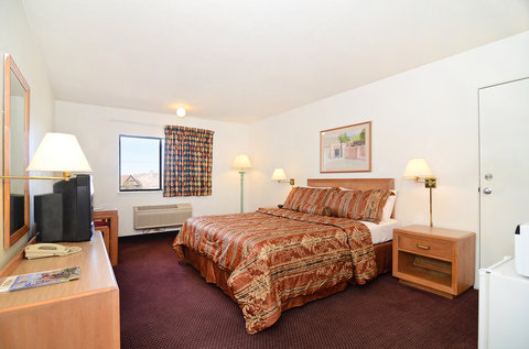 Americas Best Value Inn and Suites El Paso West - One Queen Bed