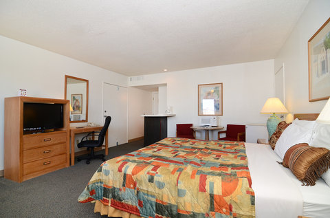Americas Best Value Inn and Suites El Paso West - One King Bed Suite