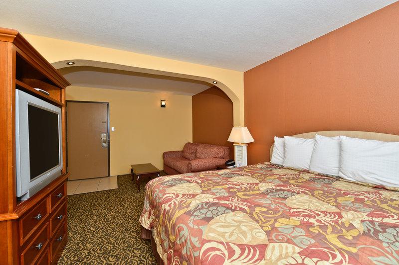 Americas Best Value Inn - Tampa, FL