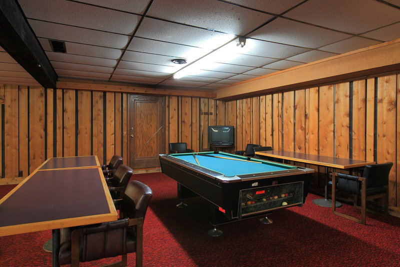 Americas Best Value Inn - Hinckley, MN