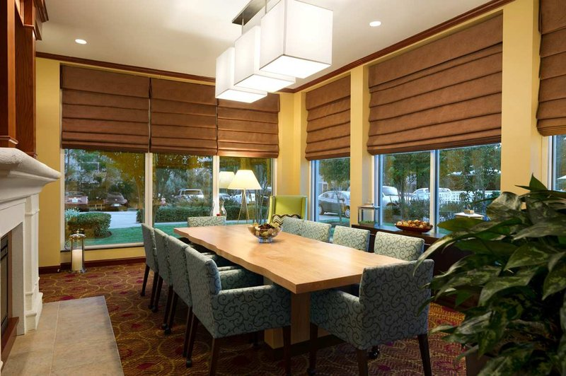 Hilton Garden Inn Houston/The Woodlands Gastronomi