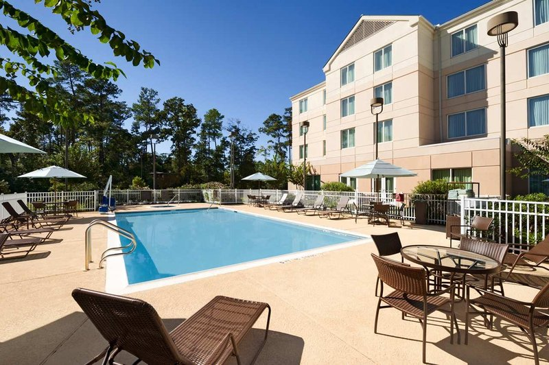 Hilton Garden Inn Houston/The Woodlands Havuzun görünümü