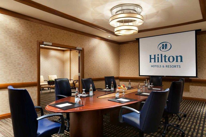 Hilton Memphis 会議室