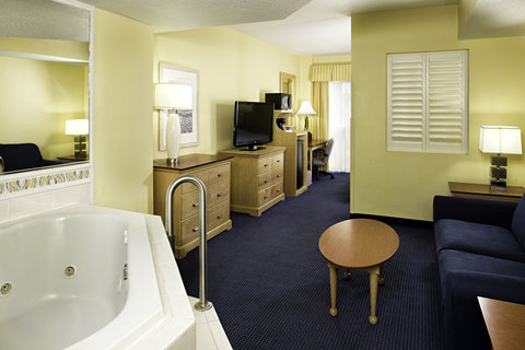 Four Points by Sheraton Cocoa Beach - Guest Room