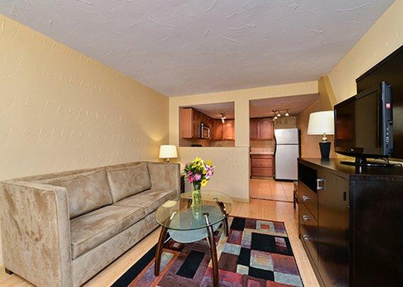 alamo plaza motel in baton rouge la 70806 citysearch. Black Bedroom Furniture Sets. Home Design Ideas