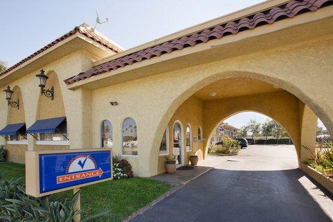 Americas Best Value Astoria Inn and Suites - Exterior