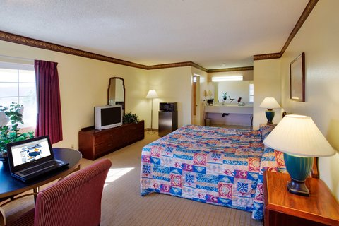 Americas Best Value Astoria Inn and Suites - One King Bed