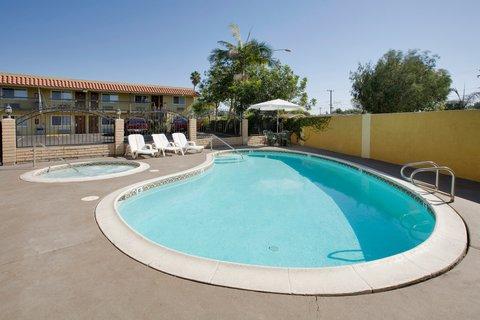 Americas Best Value Astoria Inn and Suites - Pool
