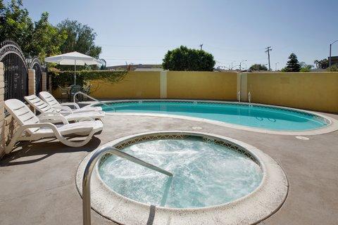 Americas Best Value Astoria Inn and Suites - Pool Area   Hot Tub