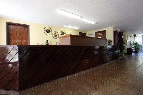 Americas Best Value Inn Crossett - Front Desk