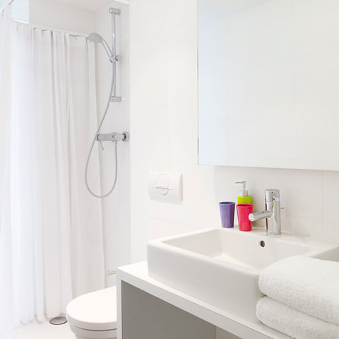 The Pantone Hotel Brussels - Guestroom  Bathroom
