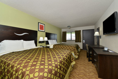 Americas Best Value Inn Kansas City East Independence - Two Queen Beds
