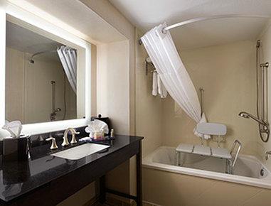 Wingate By Wyndham Seminole - ADA Bathroom