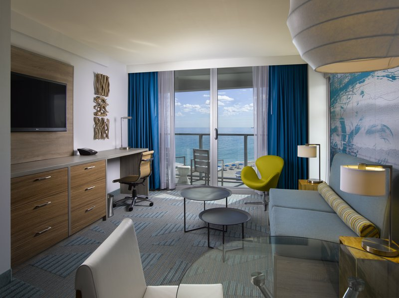 Hotel Courtyard Miami Beach Oceanfront 客室