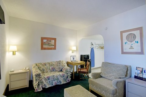 Americas Best Value Inn - Suite