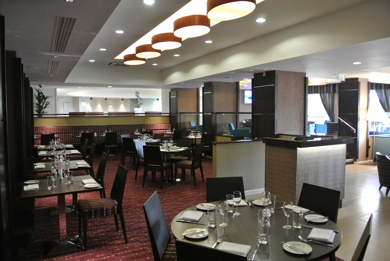 Holiday Inn  London Gatwick - Worth Gastronomía