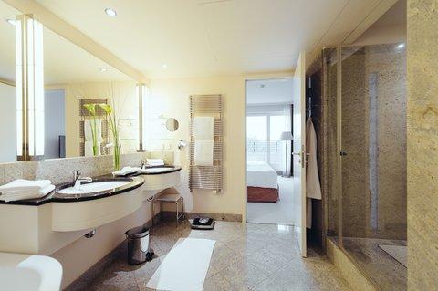 غراند إيليسي هامبورغ - Bathroom Corner Penthouse Suite