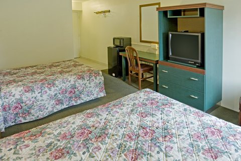 Americas Best Value Inn Cambridge - Standard Two Doubles