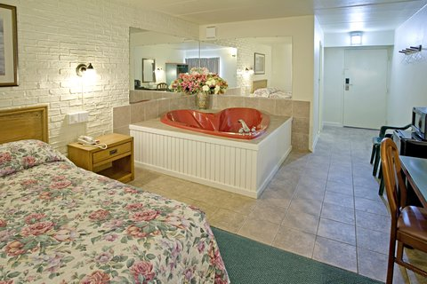 Americas Best Value Inn Cambridge - Jacuzzi Room Two