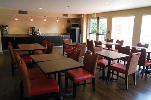 Homestead Studio Suites Secaucus - Meadowlands Gastronomia