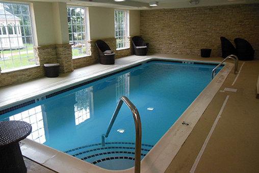 Homestead Studio Suites Secaucus - Meadowlands Vista da piscina