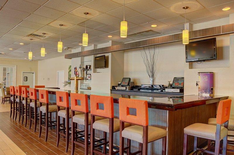 Holiday Inn Danbury-Bethel @ I-84 - Danbury, CT