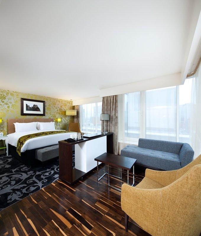 Hotel Indigo Glasgow Suit