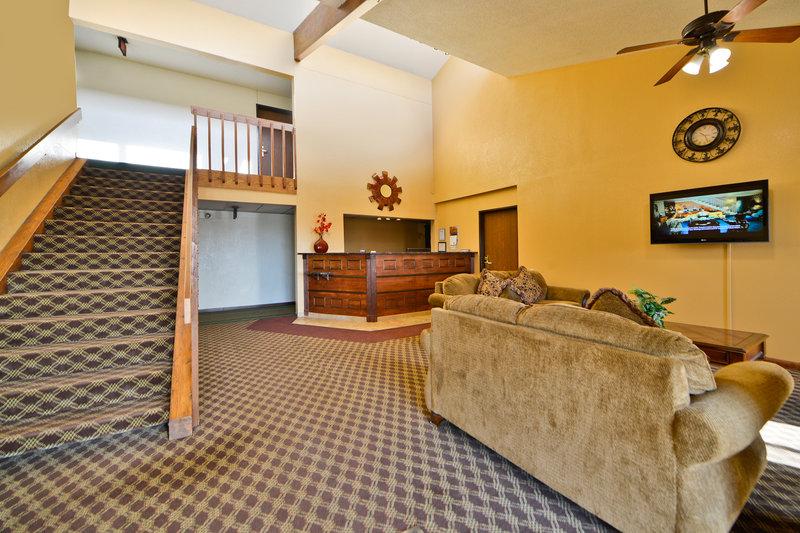 Americas Best Value Inn - Clearwater, MN