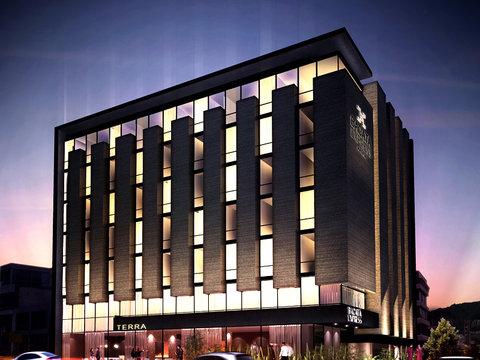 Hotel Exe Bacata 95 - EXTERIOR NIGHT