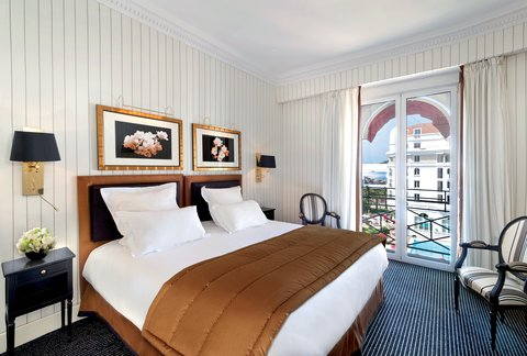 Hotel Majestic Barriere - Guest Room
