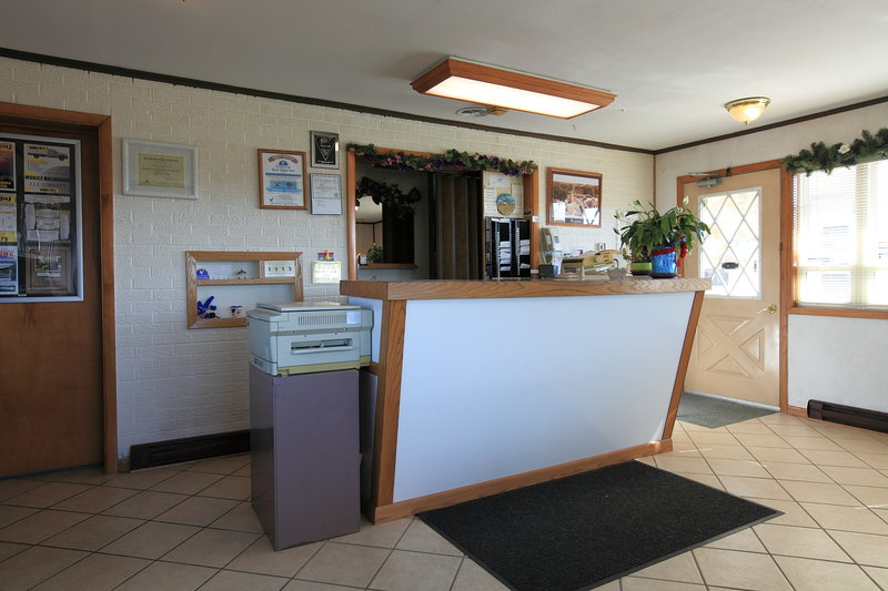 Americas Best Value Inn Suburban Motel
