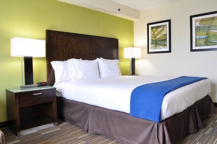 Holiday Inn Express SAN DIEGO SOUTH-NATIONAL CITY - National City, CA