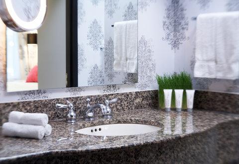 Le Meridien Dallas by the Galleria - Guest Bathroom