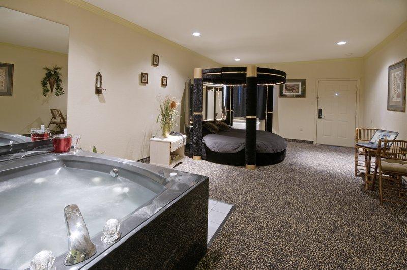 Americas Best Value Platinum Inn & Suites
