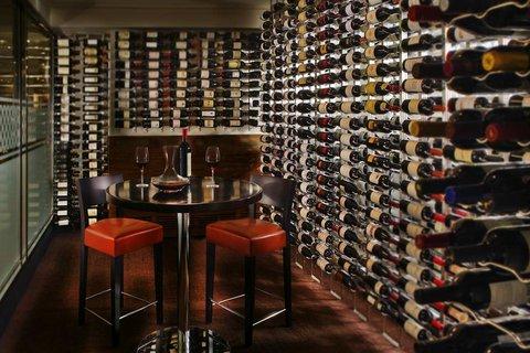 ذا بالمر هاوس هيلتون - Lockewood Wine Room