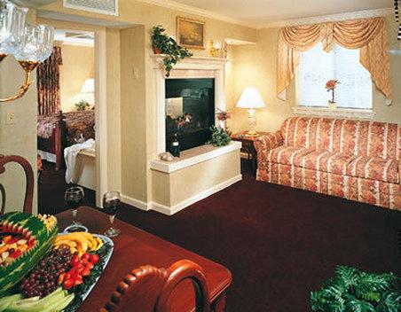 John Carver Inn & Spa - Plymouth, MA