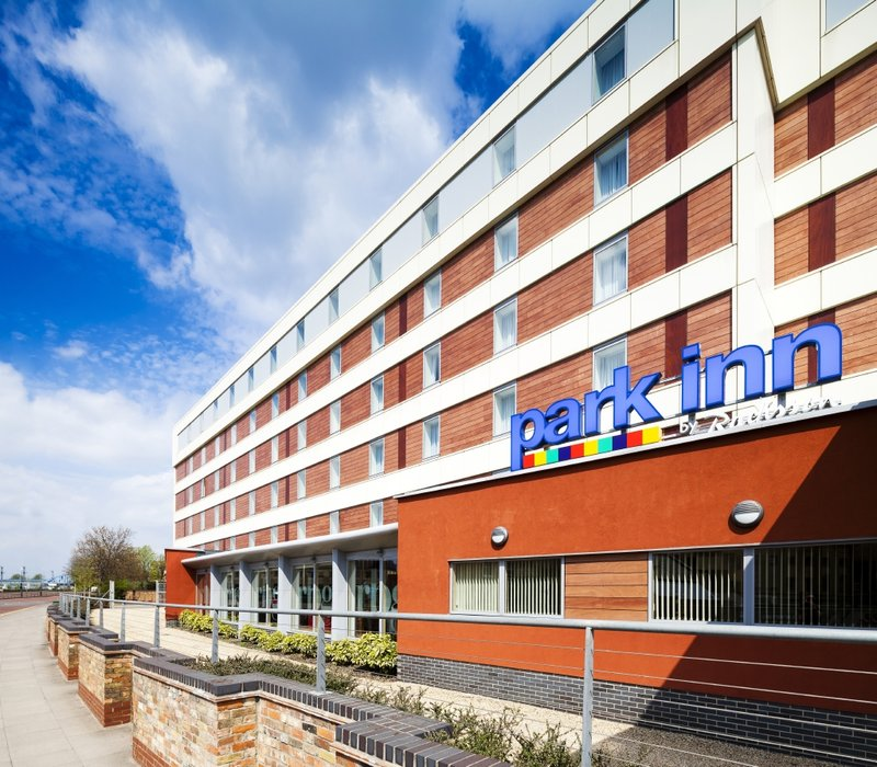 Park Inn by Radisson Peterborough Вид снаружи